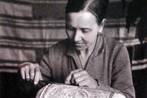 Е в левичева плетет панно герб 1930 е