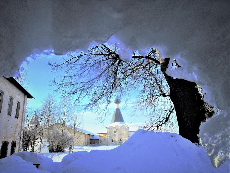 Горячкова В.А. Монастырь в снежном плену
