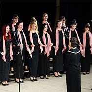 Приглашает академический хор «Гармония»