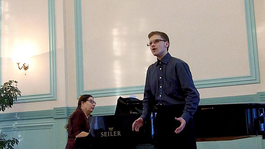 Музыка Вивальди звучала в Большом зале областной библиотеки