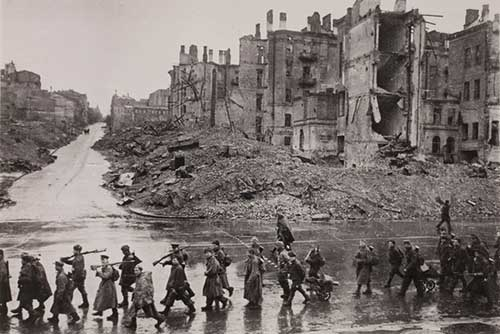В этот день в 1943 году советские войска освободили Киев от немецко-фашистских  захватчиков