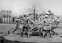 В этот день в  1943 году советские войска разгромили немецко-фашистские войска в  Сталинградской битве
