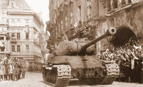 В  этот день в 1945 году советские войска освободили Братиславу‹